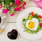 breakfast-on-valentines-day-sandwich-of-fried-egg